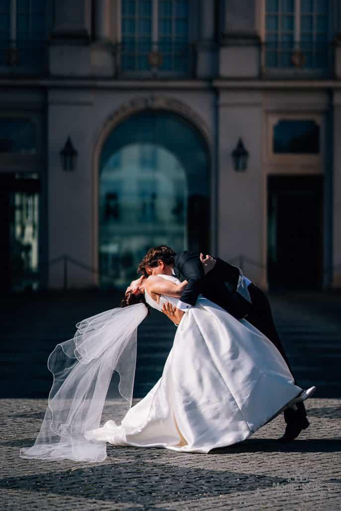 Hochzeitsfotograf Brühl beim Brautpaarshooting