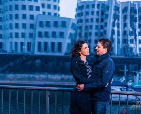 Paar-Fotoshooting Rheinuferpromenade Düsseldorf