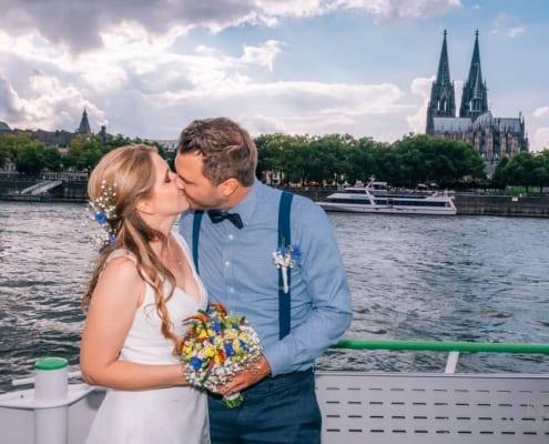 Heiraten-auf-dem-Rhein-in-Köln