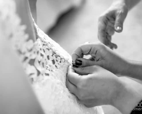 Ankleiden der Braut